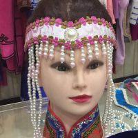 达斡尔族女童发饰